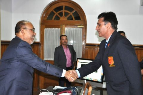 IGAR (South) briefs CM N. Biren Singh on security situation of border area