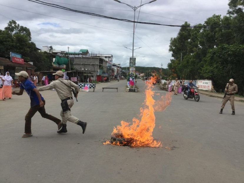 24 hours bandh called by the JAC demanding justice for Babysana affects normalcy in Imphal; Banks, Schools, Colleges remain close