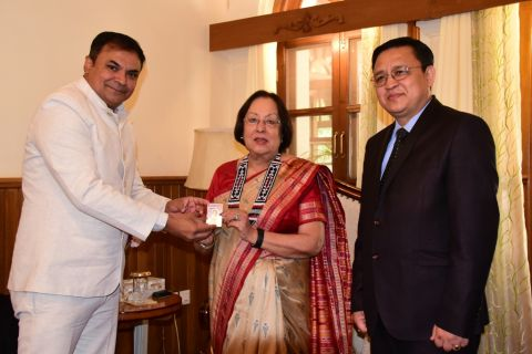 Governor Dr. Najma Heptulla moves her vote to Manipur