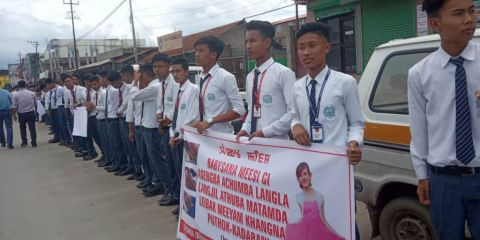 Students formed human chain protesting against the mysterious death of Babysana