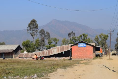 State Govt. announces Rs. 5 lakhs compensation for quake victims ; Schools close for 7 days