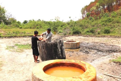 Salt brines of Manipur: The source of Meitei Thum