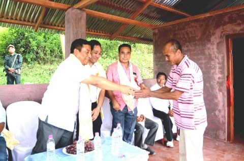Horticulture minister inaugurates pineapple aggregation unit at Angtha