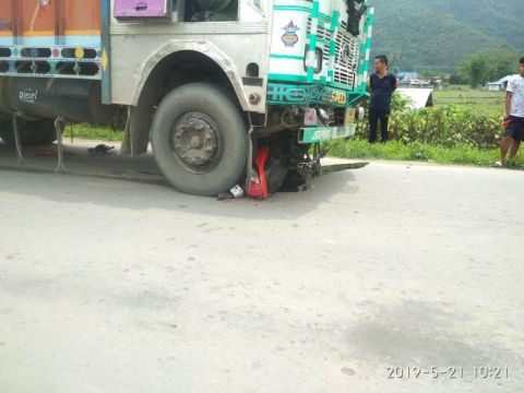 Road mishap: 2 died in head-on collision between a truck and a two wheeler bike