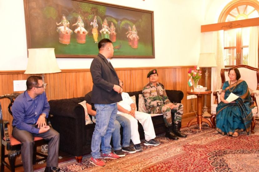 Governor meets with Sehlon Villagers